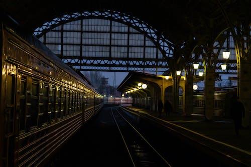 Darmowe zdjęcie z galerii z cel, ciemny, ciepłe światło