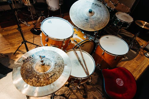 White and Brown Drum Set