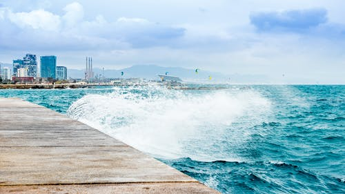 Photos gratuites de barcelone, faire signe, forum portuaire, méditerranée