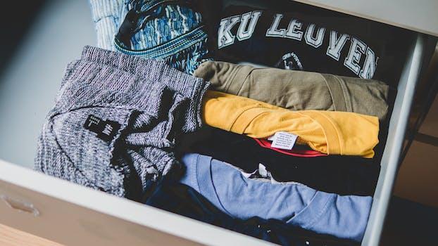 Foto de archivo libre de ropa, colores, ropa, ropa
