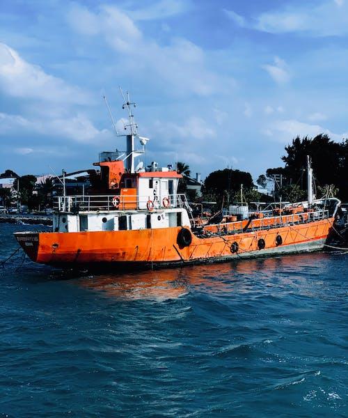 Δωρεάν στοκ φωτογραφιών με αλιεία, βάρκα, γαλάζιος ουρανός
