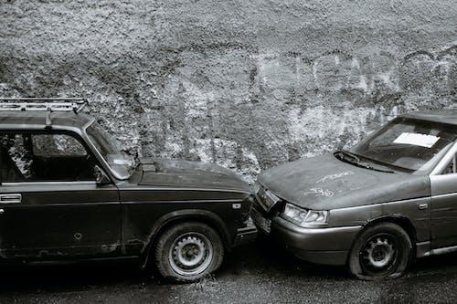 Kostnadsfri bild av äldre, asfalt, bil