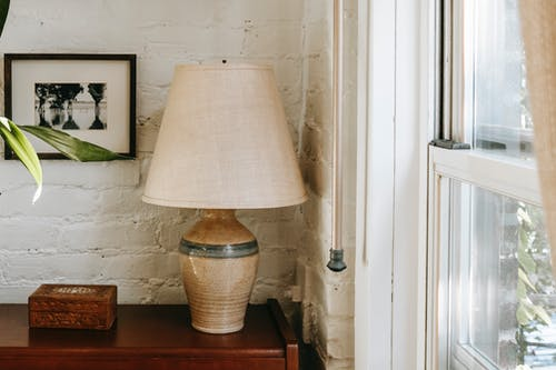 Darmowe zdjęcie z galerii z apartament, ceglana ściana, chata, dekoracja