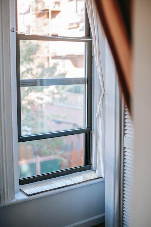 Foto stok gratis akomodasi, akrab, ambang jendela, Apartemen
