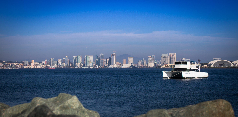 シティ, スカイライン, ダウンタウン, ボートの無料の写真素材