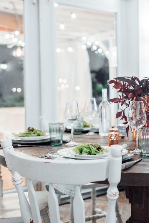 Immagine gratuita di allestimento di un luogo, articoli di vetro, articoli per la tavola