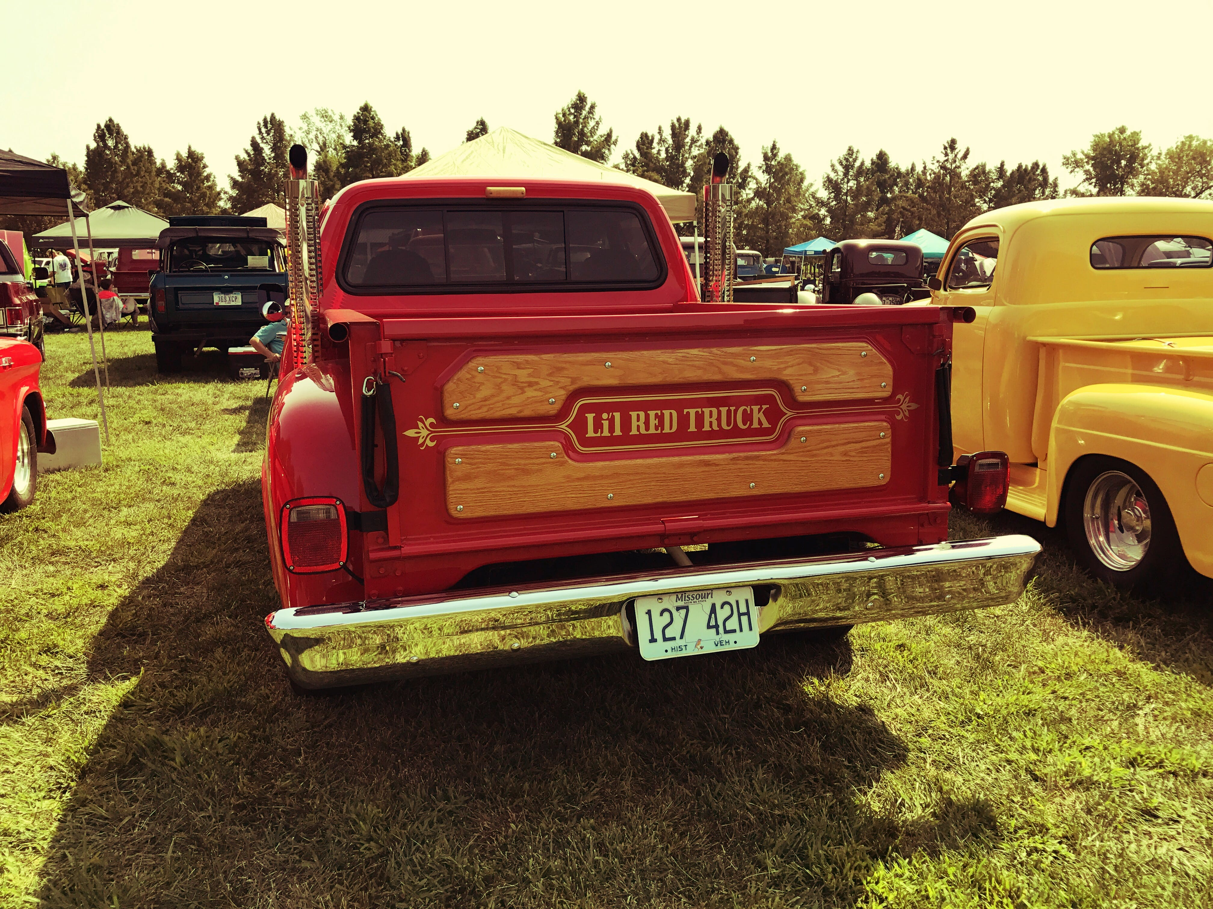 Free stock photo of red, truck, classic car, tailgate