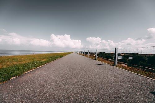 Immagine gratuita di acqua, asfalto, autostrada