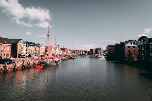 Immagine gratuita di acqua, barche, canale