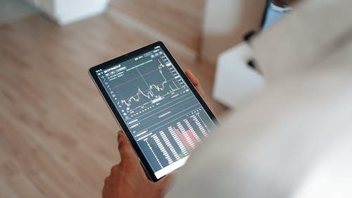 Gratis lagerfoto af aktiehandel, app, bitcoin