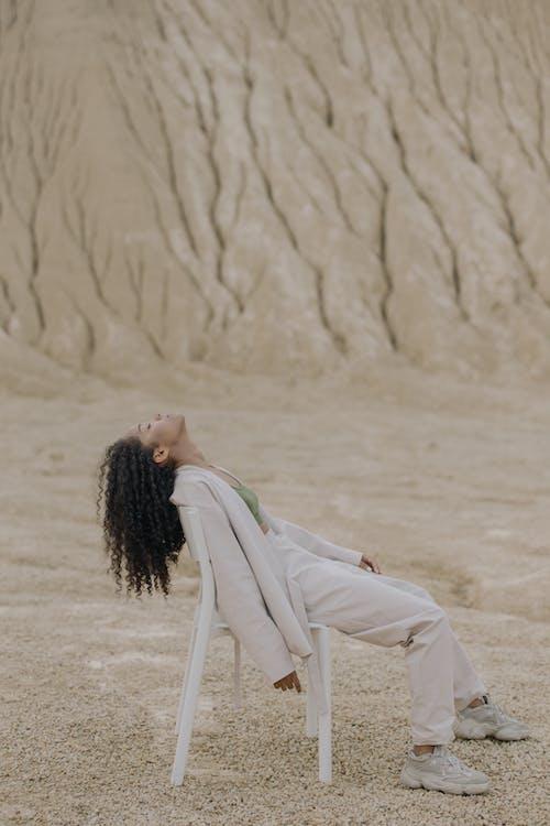 Ilmainen kuvapankkikuva tunnisteilla aavikko, afro, aikuinen