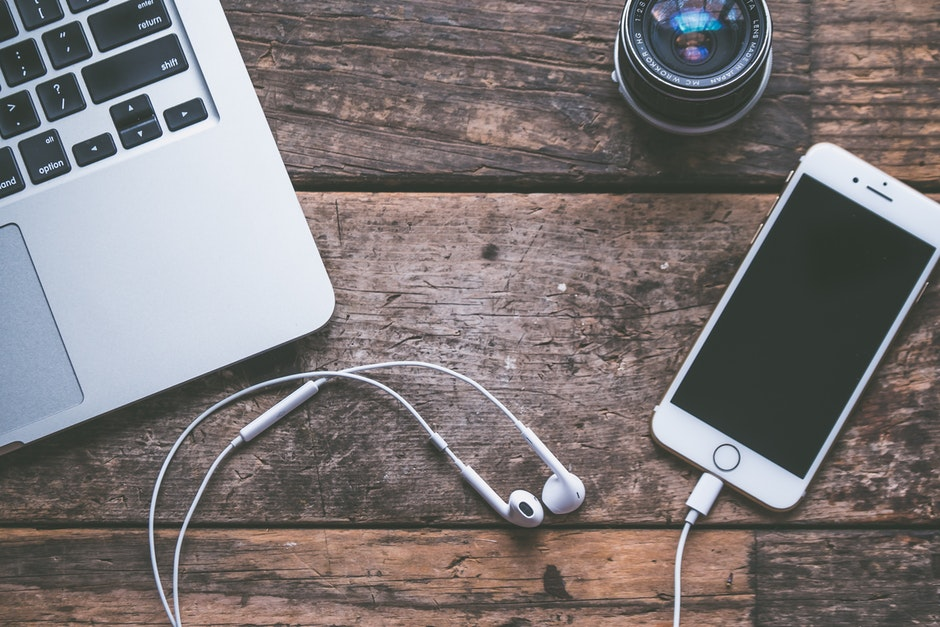 computer, device, earphones