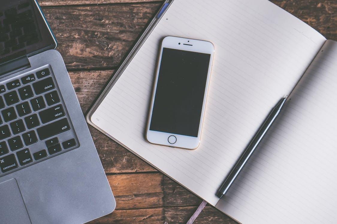 iPhone, 事實, 互聯網