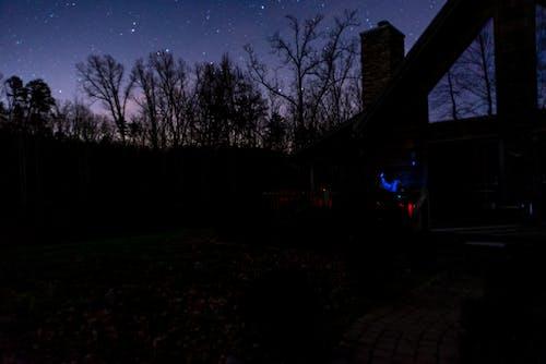 Free stock photo of cabin, night sky, stargazing