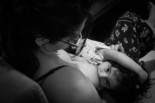 Ingyenes stockfotó anya és gyermek, anyaság, apaság témában