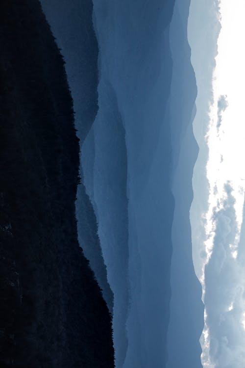 Бесплатное стоковое фото с вода, водопад, восходить, гора