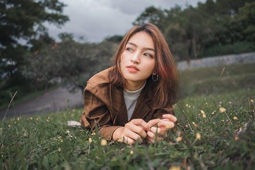 Základová fotografie zdarma na téma hezký, holka, hřiště, krásný