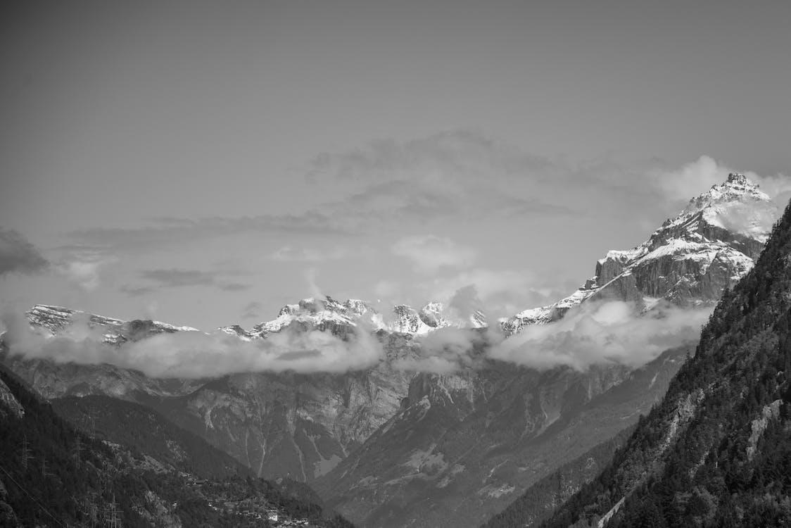 alpy, chmury, czarno-biały