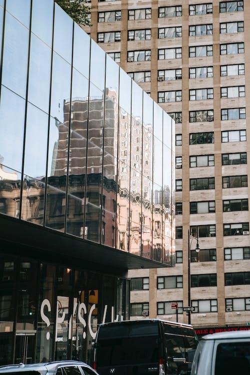 açık hava, altyapı, apartman, araba içeren Ücretsiz stok fotoğraf