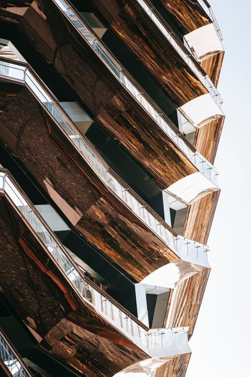 Immagine gratuita di alto, angolo, angolo basso, architettura