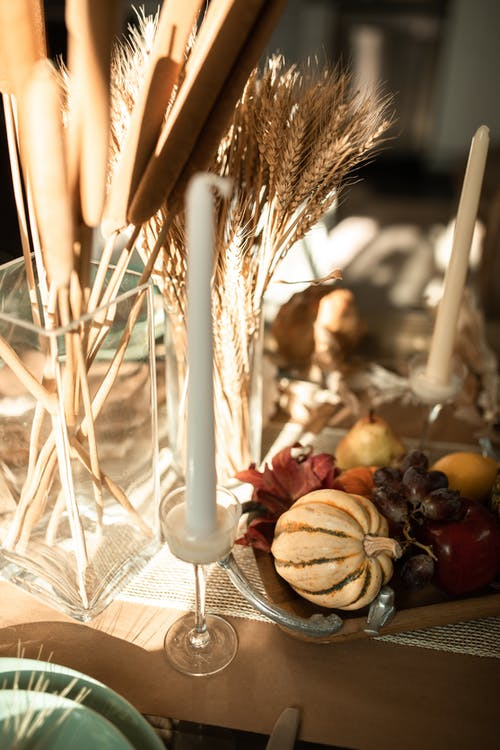 Bougie Blanche Sur Table Blanche