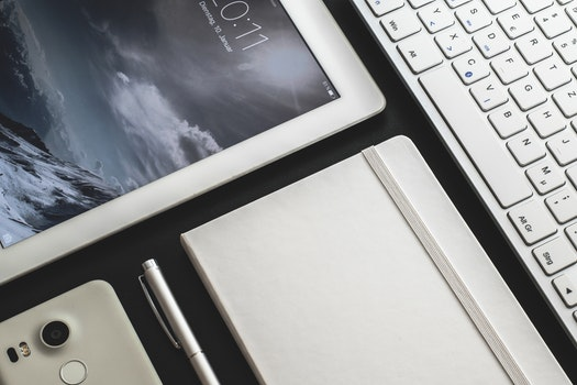 Free stock photo of smartphone, notebook, ipad, keyboard