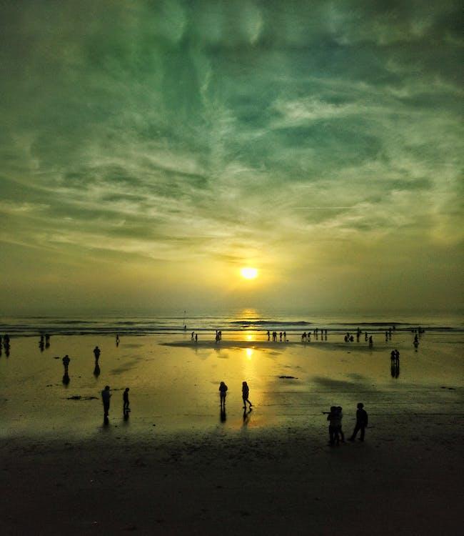 lidé, moře, pláž