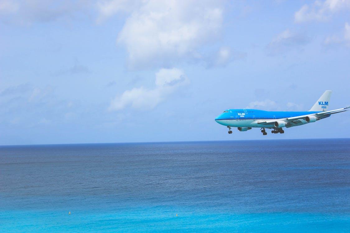blå himmel, flyg, flygplan