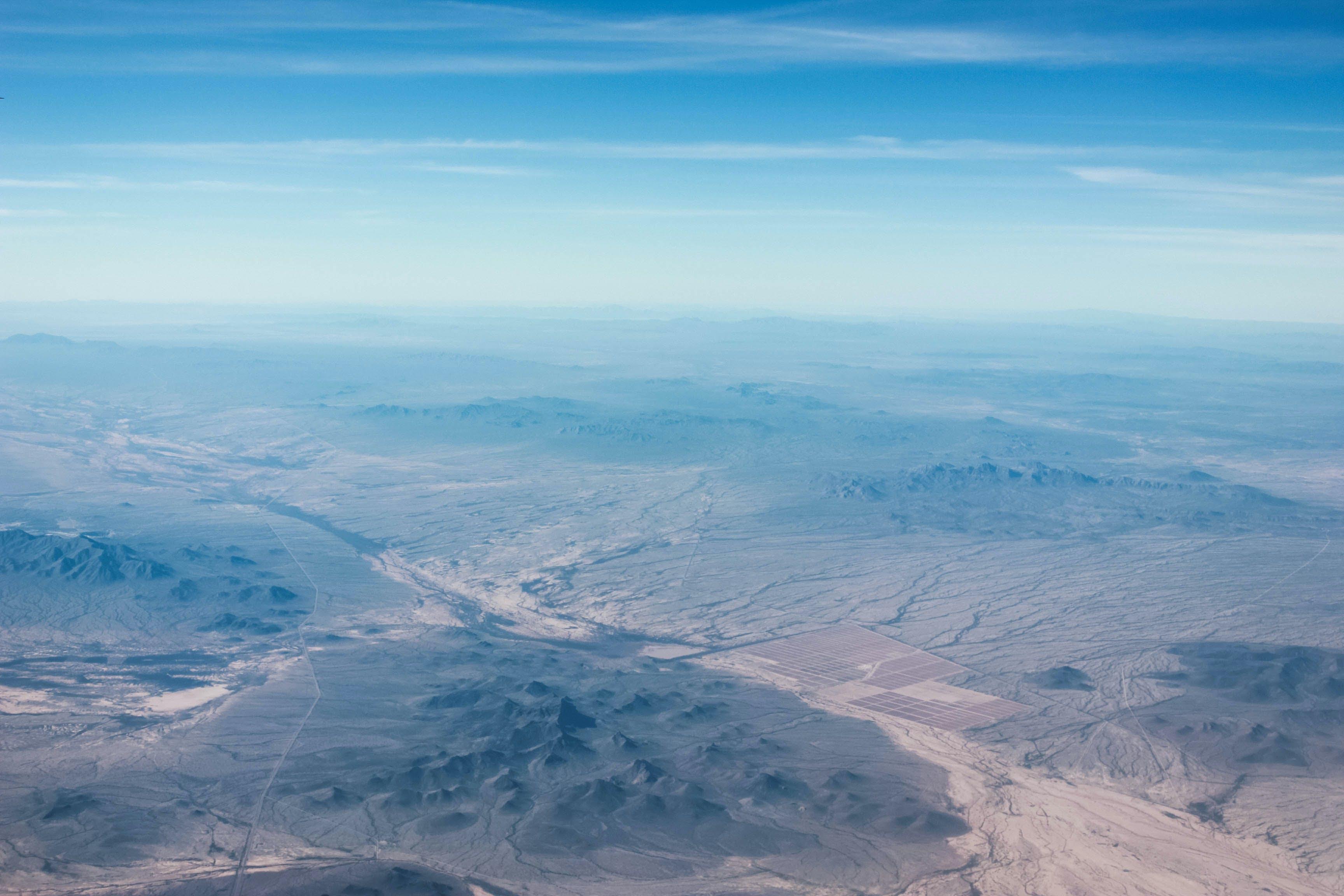 Kostenloses Stock Foto zu abenteuer, berge, blauer himmel, dämmerung