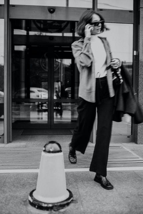 Fotos de stock gratuitas de abrigo, adulto, aeropuerto