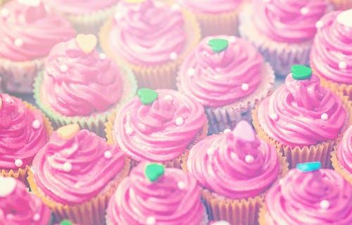 Immagine gratuita di cibo, cuore, cupcake, delizioso