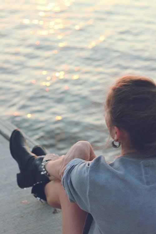 귀걸이, 물, 소녀, 스타일의 무료 스톡 사진
