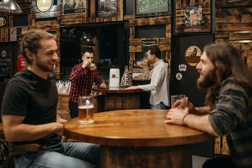 Gratis stockfoto met balk, bar, barman
