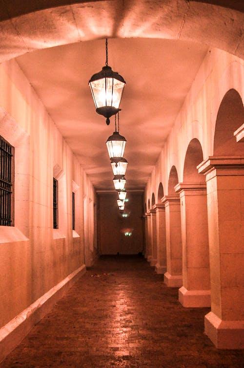 Foto d'estoc gratuïta de aplics, carril, Llum de les espelmes, llums