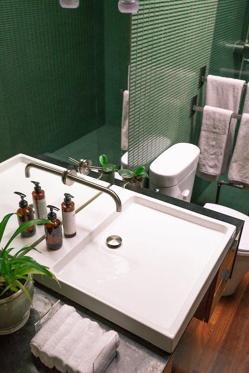 คลังภาพถ่ายฟรี ของ H2O, กระจกเงา, กระเบื้อง, ก๊อกน้ำ