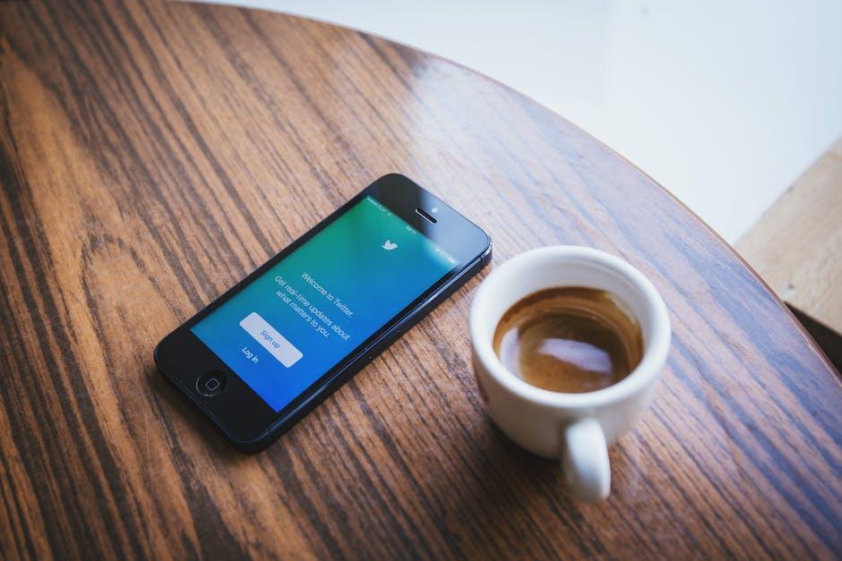 app, twitter, social media