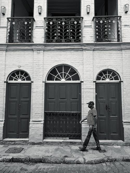 Ilmainen kuvapankkikuva tunnisteilla afroamerikkalainen mies, arkkitehtuuri, city street, goottilainen