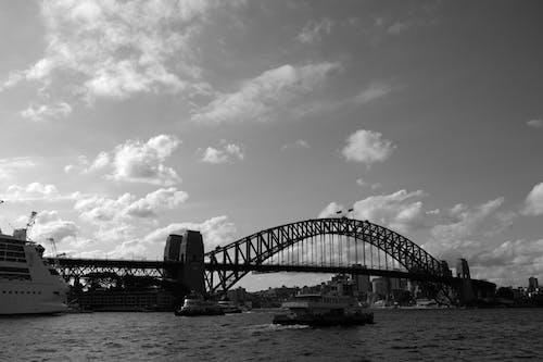 Δωρεάν στοκ φωτογραφιών με αρχιτεκτονική, ασπρόμαυρο, βάρκα