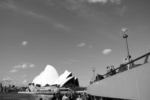 Δωρεάν στοκ φωτογραφιών με Άνθρωποι, αρχιτεκτονική, βάρκα