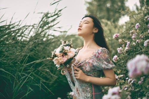中國女孩, 人像攝影, 北京, 含花植物 的 免費圖庫相片