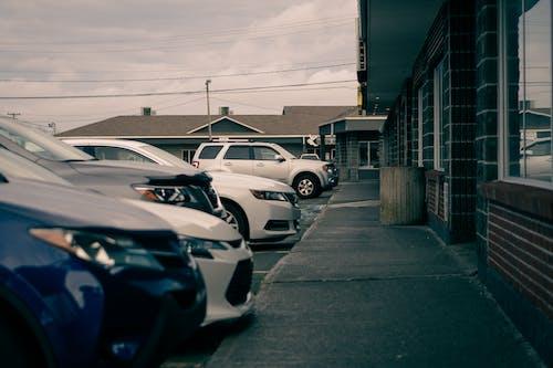 SUV, 人行道, 什錦的 的 免費圖庫相片