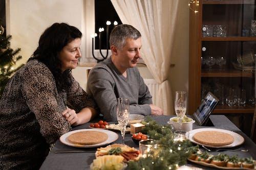 Ingyenes stockfotó asztal, beltéri, család témában