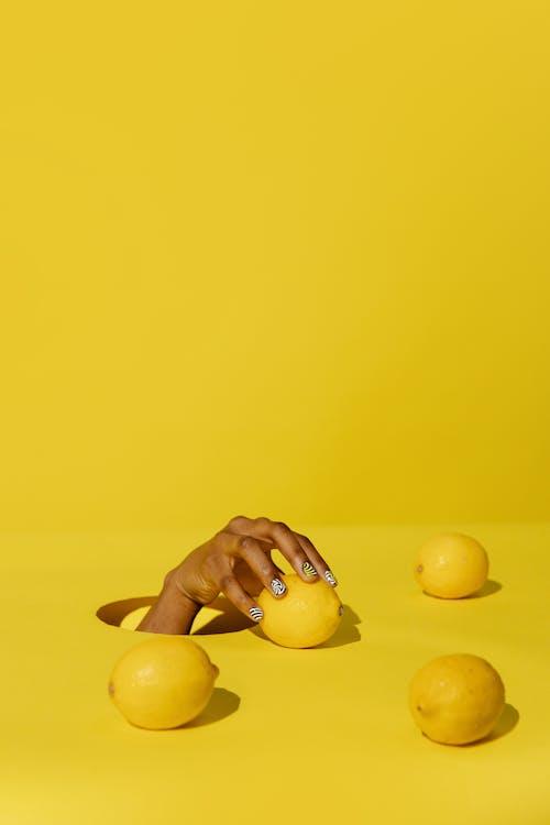 Δωρεάν στοκ φωτογραφιών με copy space, limon, αντίχειρας