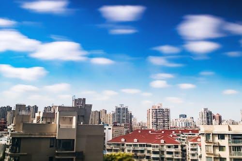 公寓建築, 城市, 城鎮, 天空 的 免费素材照片