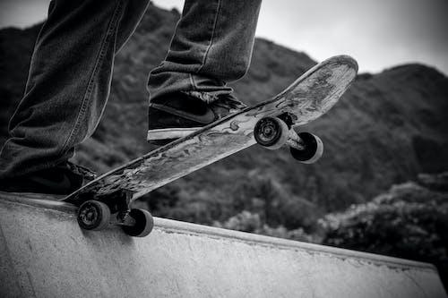 Бесплатное стоковое фото с веселье, кататься на коньках, на открытом воздухе, риск