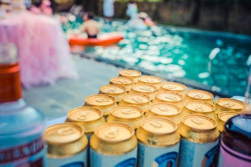 Fotobanka sbezplatnými fotkami na tému alkoholické nápoje, bazén, detailný záber, fľaše