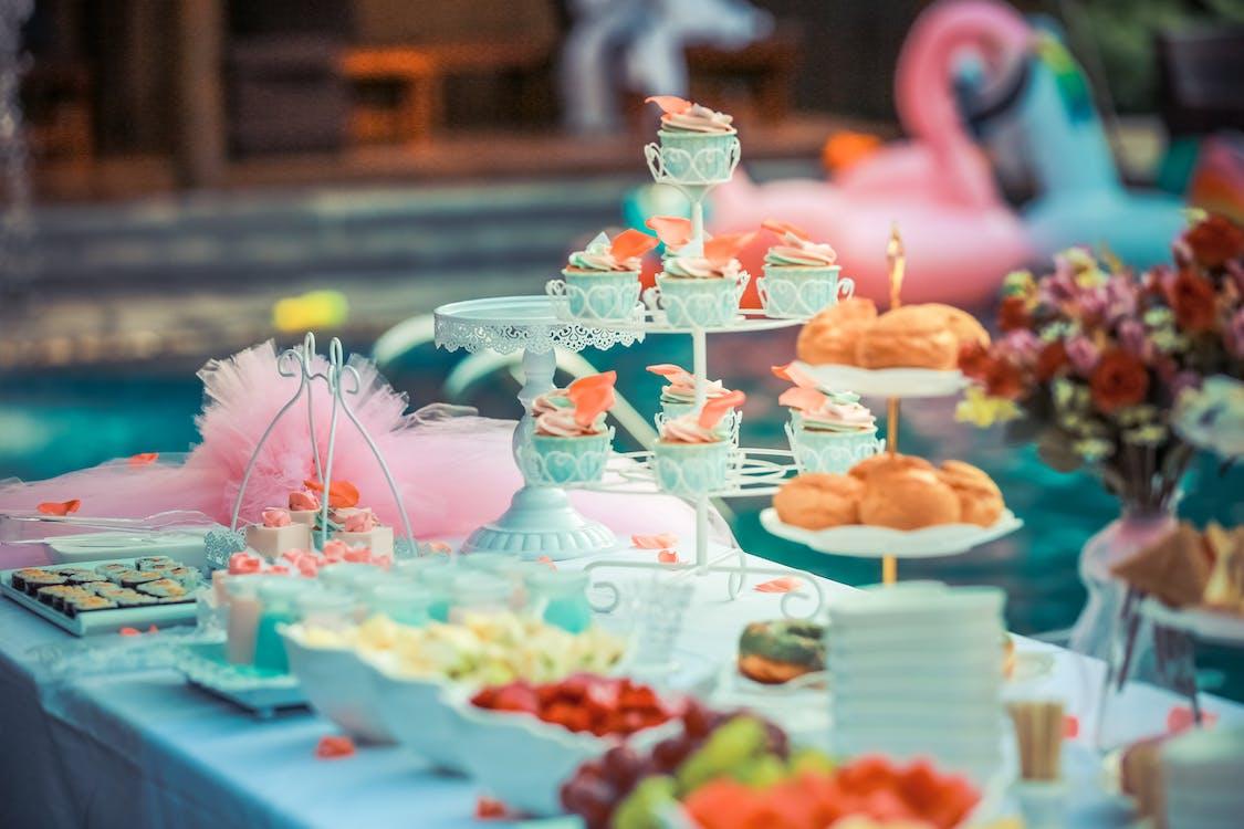 efterrättsbord, färgrik, fest