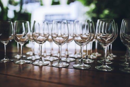 Immagine gratuita di alcol, articoli per la tavola, azienda vinicola, bar