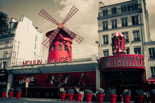 คลังภาพถ่ายฟรี ของ moulin rouge, กังหันลม, ถนน, ปารีส
