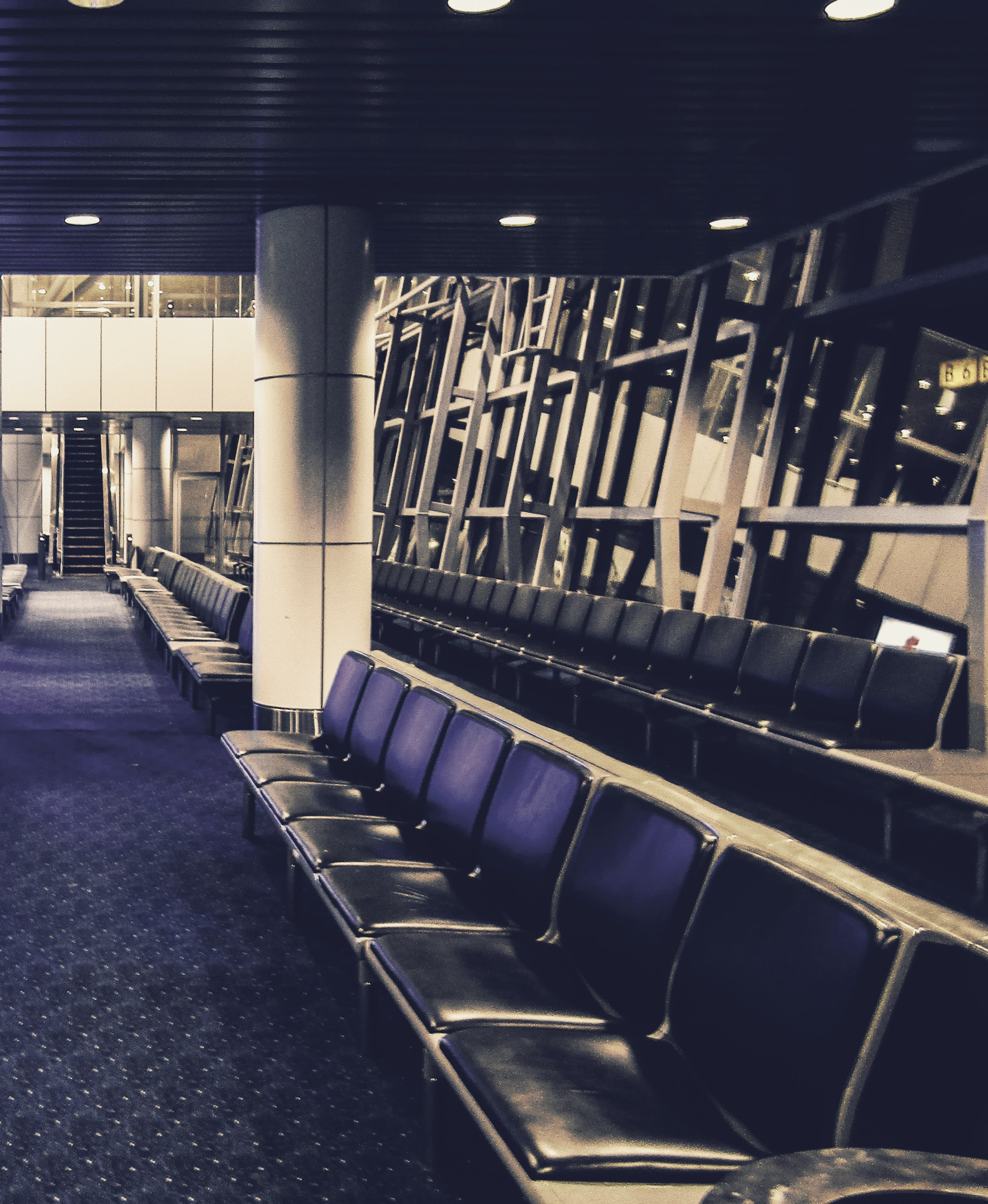 Free stock photo of airport, benches, waiting area